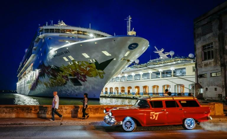 """The """"Empress of the Seas"""" -- the last cruise ship from a US company to berth in a Cuban port following the new US sanctions, June 2019 (AFP Photo/Adalberto ROQUE)"""