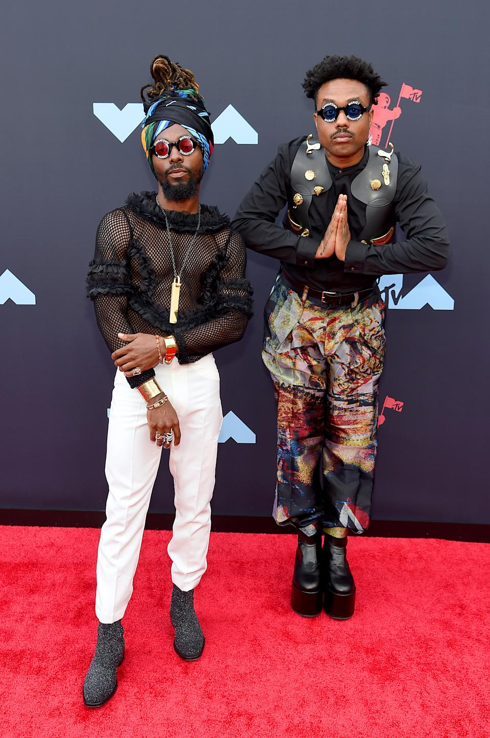 """<h1 class=""""title"""">Johnny Venus and Doctur Dot of EarthGang</h1><cite class=""""credit"""">Photo: Getty Images</cite>"""