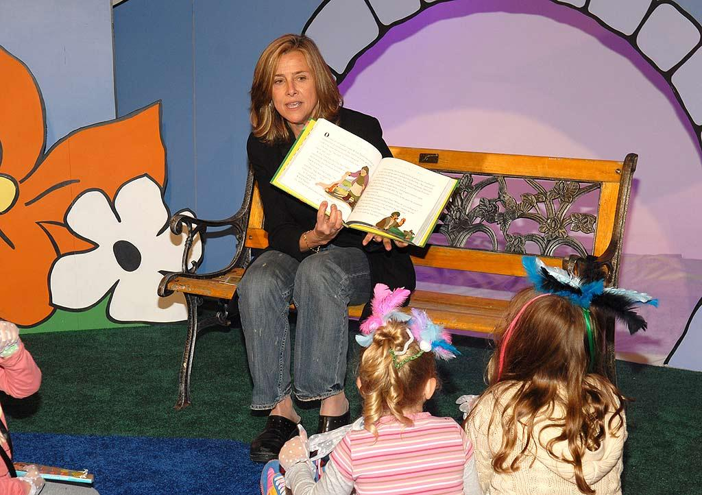 """Today"" show host Meredith Vieira takes a break from reading the teleprompter to read to kids. Kevin Mazur/<a href=""http://www.wireimage.com"" target=""new"">WireImage.com</a> - February 1, 2008"
