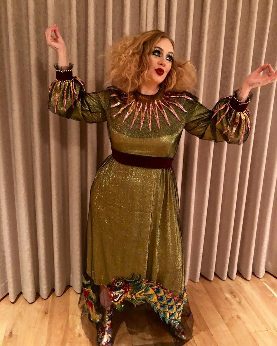 <p>Leave it to Adele to make a clown costume ultra-glam. With her glittery green gown and statement-making collar and sleeves, she wasn't clowning around with her outfit. <br></p>