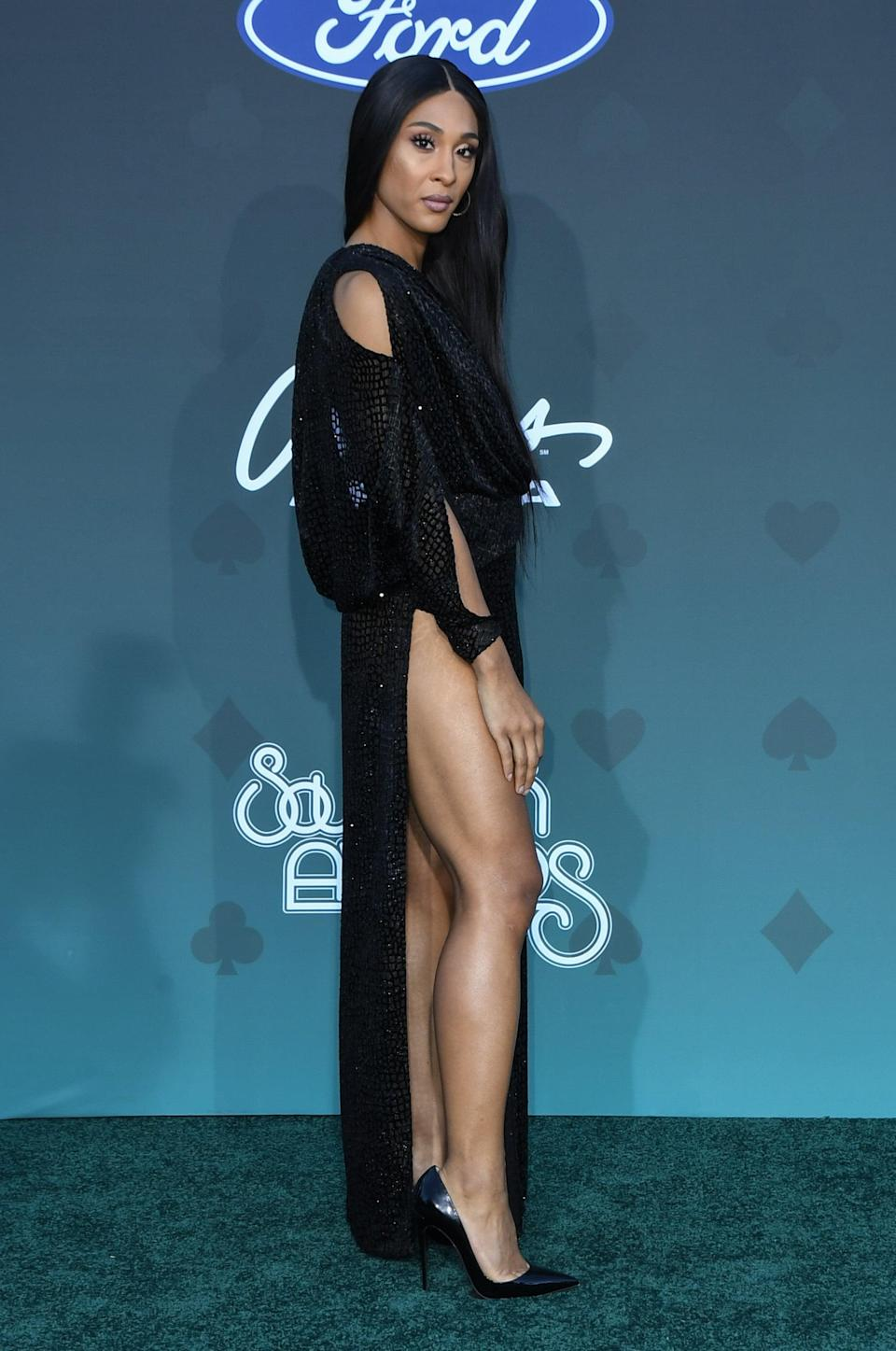 <p>Mj played up her leggy look with Christian Louboutin heels at the 2019 Soul Train Awards in Las Vegas.</p>
