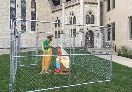 Church protests Trump's immigration policy, puts the Holy Family behind bars. (Photo: Twitter/faithepinho)