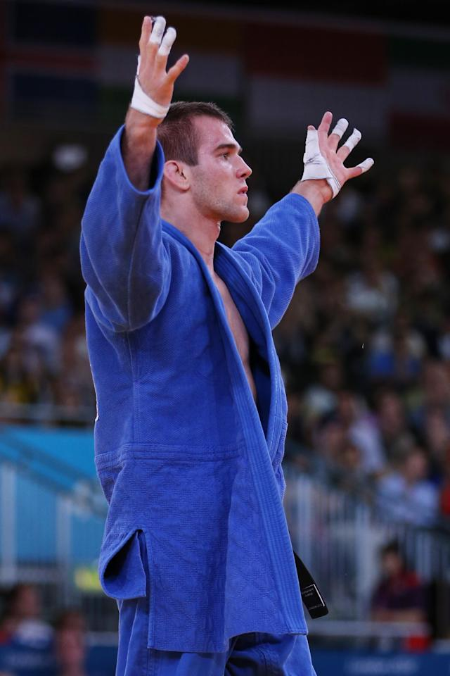 LONDON, ENGLAND - JULY 31: Antoine Valois-Fortier of Canada competes against Emmanuel Lucenti of Argentina in the Men's -81 kg Judo on Day 4 of the London 2012 Olympic Games at ExCeL on July 31, 2012 in London, England. (Photo by Quinn Rooney/Getty Images)