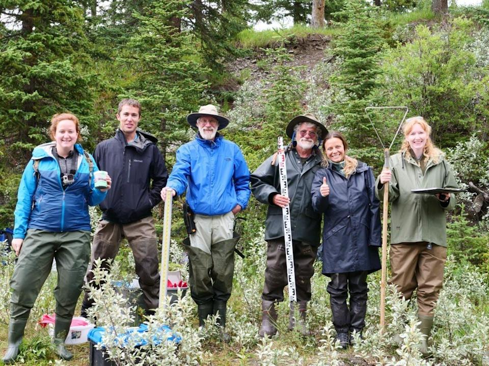 "<span class=""caption"">Members of Ghost Watershed Alliance Society at CABIN Training and Certification event with WWF-Canada Freshwater Specialist, Catherine Paquette (left) and Living Lakes Canada STREAM program manager, Raegan Mallinson (second from right).</span> <span class=""attribution""><span class=""source"">(Ghost Watershed Alliance Society)</span></span>"