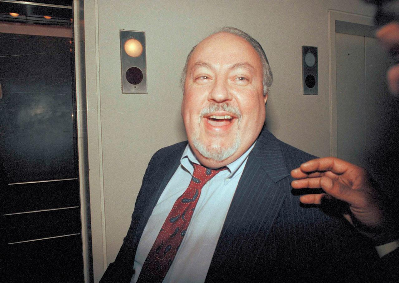 <p>Media consultant Roger Ailes is shown backstage at the debate between New York mayoral candidates David Dinkins and Rudolph Giuliani in New York, Nov. 4, 1989. Ailes was Giuliani's adviser. (Photo: Peter Morgan/AP) </p>