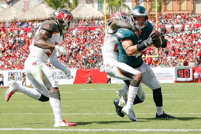 <p>Zach Ertz #86 of the Philadelphia Eagles is stopped short of the goal line against the Tampa Bay Buccaneers during the second half at Raymond James Stadium on September 16, 2018 in Tampa, Florida. (Photo by Michael Reaves/Getty Images) </p>