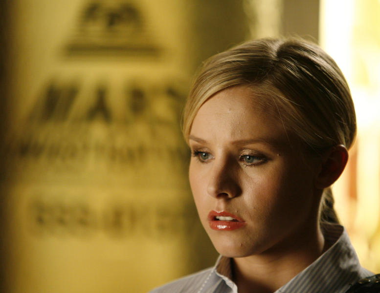 """FILE - In this Aug. 23, 2006 photo, actress Kristen Bell appears on the set of the television series """"Veronica Mars,"""" in San Diego. """"Veronica Mars"""" stars Jason Dohring, Francis Capra, Enrico Colantoni, Percy Daggs III, Ryan Hansen, Tina Majorino and Chris Lowell joined Kristen Bell on the panel at Hall H in the San Diego Convention Center on July 19, 2013. (AP Photo/Denis Poroy, File)"""