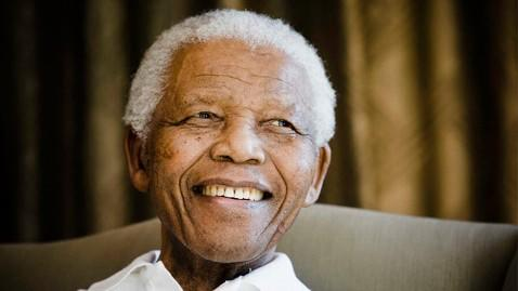 gty nelson mandela ll 130328 wblog Nelson Mandelas Lung Infection Could Be Pneumonia