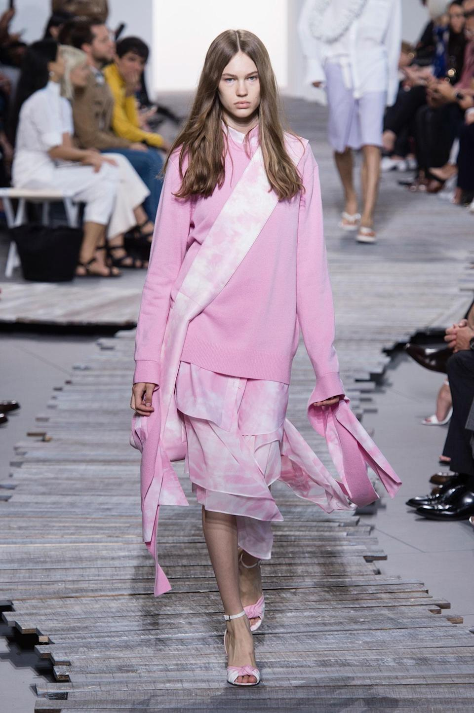 <p>Pastel pink sweater and skirt from the SS18 Michael Kors collection. (Photo: ImaxTree) </p>