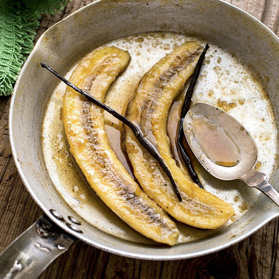<p>This famous New Orleans banana dessert recipe gets a kick from rum (we like dark). Impress your friends with this healthy fruit dessert tonight!</p>