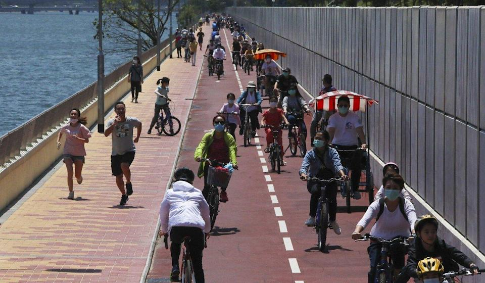 Families cycling and enjoying the outdoors along the Tai Po to Shatin Cycle Track. Photo: Felix Wong
