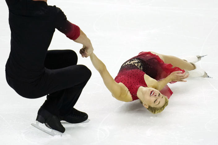 Alexa Knierim, right, and Brandon Frazier perform during the pairs short program at the U.S. Figure Skating Championships, Thursday, Jan. 14, 2021, in Las Vegas. (AP Photo/John Locher)