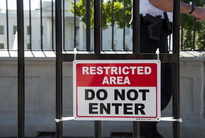 An internal review of the security lapses that allowed an intruder to scale a fence and enter the White House has revealed a string of Secret Service blunders, reports said (AFP Photo/Nicholas Kamm)