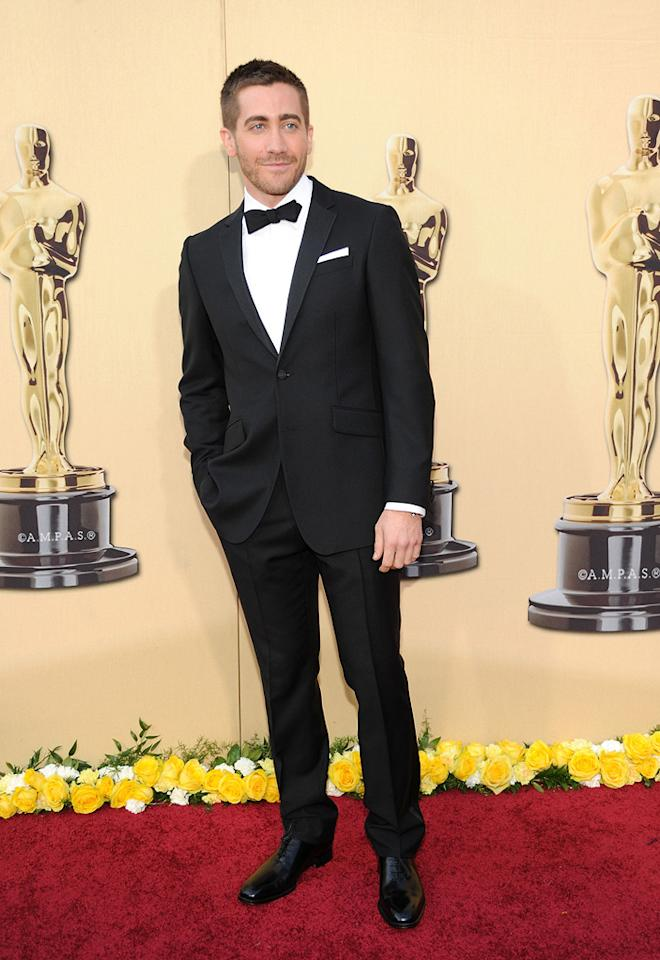 "Jake Gyllenhaal   Grade: A    The ""Prince of Persia"" hottie struck a pose in a custom-tailored Burberry tuxedo. Yum!"
