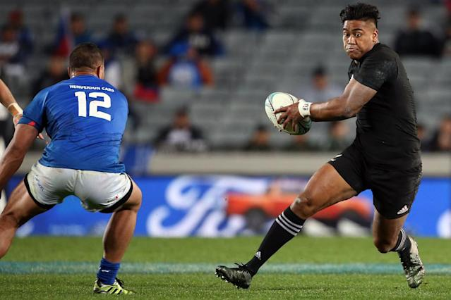 Powerful New Zealand winger Julian Savea is joining Toulon (AFP Photo/MICHAEL BRADLEY)