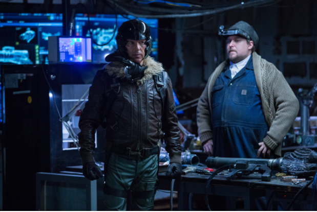 Adrian Toomes (Michael Keaton) and Phineas Mason (Michael Chernus) hack Chitauritech into super-weapons. (Photo: Sony Pictures)