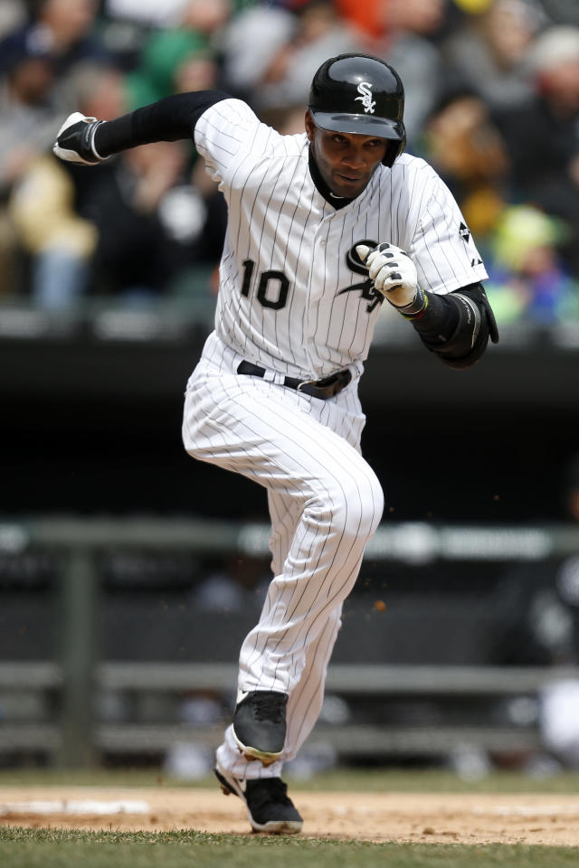 Chicago White Sox shortstop Alexei Ramirez runs on a two-RBI double against the Minnesota Twins during the second inning of a baseball game on Wednesday, April 2, 2014, in Chicago, Ill. (AP Photo/Andrew A. Nelles)