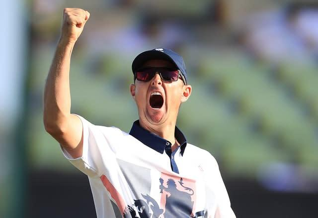 Justin Rose celebrates winning gold in the men's golf at the 2016 Olympics (Mike Egerton/PA)