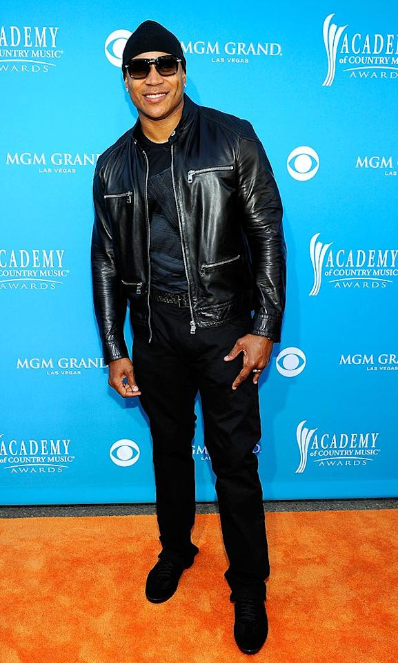 """LL Cool J  Grade: B-   CBS trotted out some of their TV stars, including """"NCIS: Los Angeles"""" lead LL Cool J, whose all-black, biker-inspired ensemble didn't quite knock us out. Kevork Djansezian/<a href=""""http://www.gettyimages.com/"""" target=""""new"""">GettyImages.com</a> - April 18, 2010"""