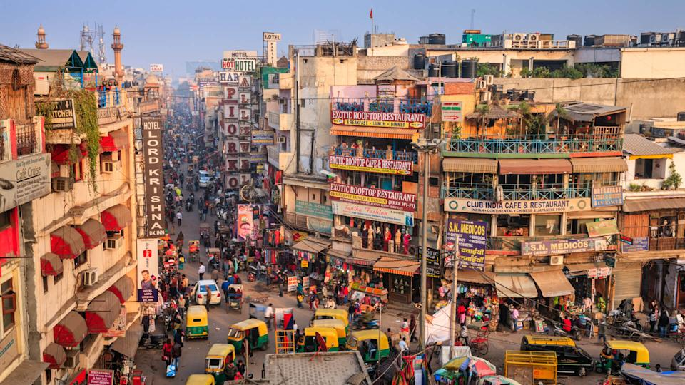 Main Bazar late afternoon, Paharganj known for its concentration of hotels, lodges, restaurants, dhabas and a wide variety of shops catering to both domestic travellers and foreign tourists, especially backpackers and low-budget travellers.