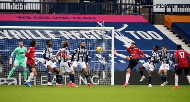 Bruno Fernandes brings Manchester United level in style
