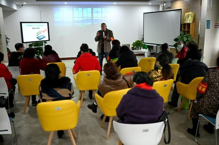 China's government has called for a nationwide push to strengthen the ability of the elderly to use digital tech, urging communities to hold training sessions