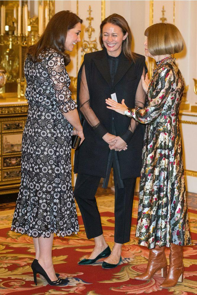 Kate Middleton talks to Anna Wintour