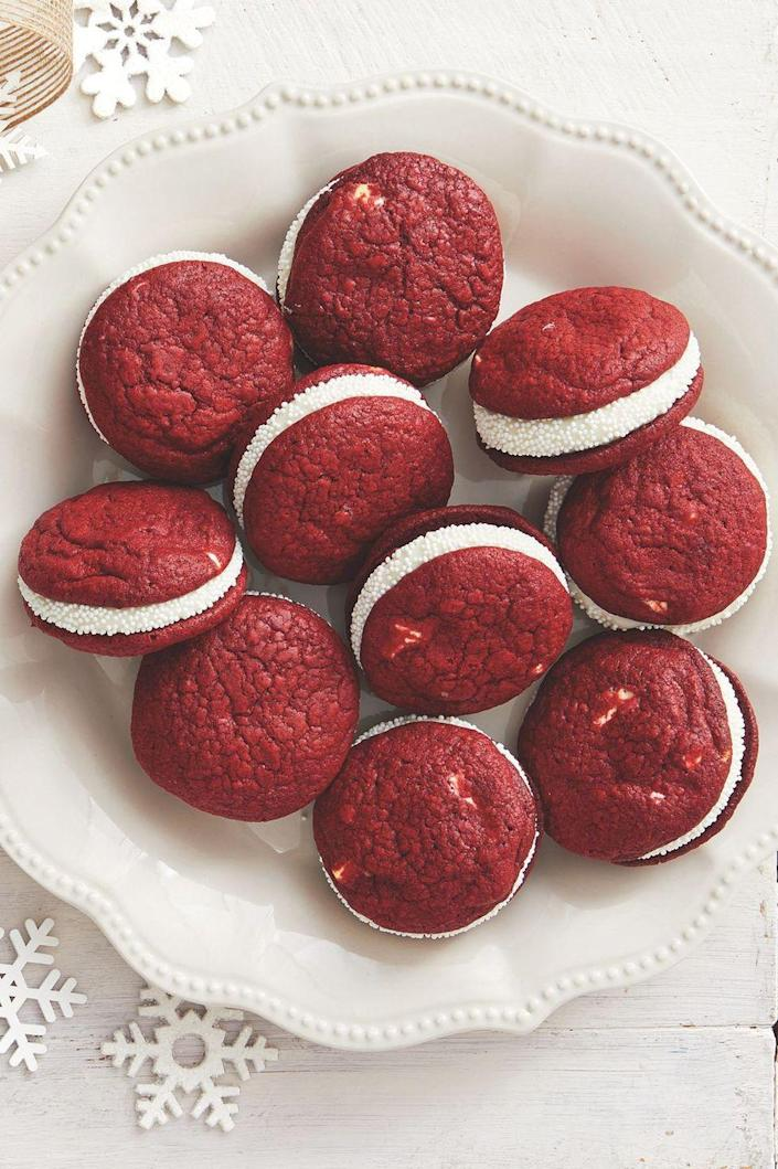 """<p>Red velvet treats are perfect for all winter occasions from Christmas to Valentine's Day and everything in between. </p><p><a href=""""https://www.thepioneerwoman.com/food-cooking/recipes/a34145278/red-velvet-sandwich-cookies-recipe/"""" rel=""""nofollow noopener"""" target=""""_blank"""" data-ylk=""""slk:Get Ree's recipe."""" class=""""link rapid-noclick-resp""""><strong>Get Ree's recipe. </strong></a></p><p><a class=""""link rapid-noclick-resp"""" href=""""https://go.redirectingat.com?id=74968X1596630&url=https%3A%2F%2Fwww.walmart.com%2Fsearch%3Fq%3Dpioneer%2Bwoman%2Bplatters&sref=https%3A%2F%2Fwww.thepioneerwoman.com%2Ffood-cooking%2Fmeals-menus%2Fg37691893%2Fwinter-desserts%2F"""" rel=""""nofollow noopener"""" target=""""_blank"""" data-ylk=""""slk:SHOP PLATTERS"""">SHOP PLATTERS</a></p>"""