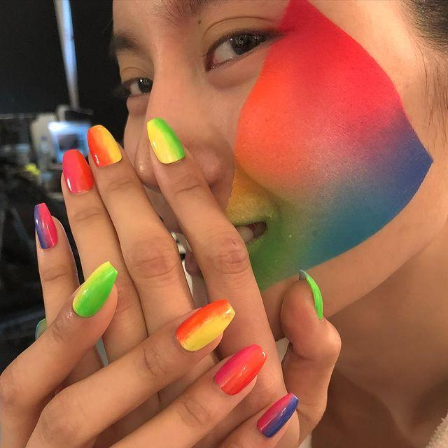 """<p>Revamp rainbow ombre by switching up the orientation.</p><p><a href=""""https://www.instagram.com/p/CIoEOalsfsm/"""" rel=""""nofollow noopener"""" target=""""_blank"""" data-ylk=""""slk:See the original post on Instagram"""" class=""""link rapid-noclick-resp"""">See the original post on Instagram</a></p>"""