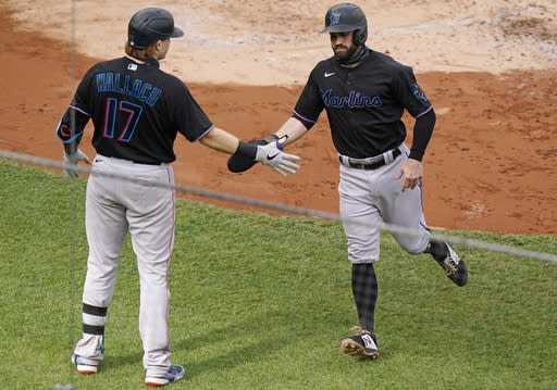 A capsule look at the Marlins-Cubs playoff series
