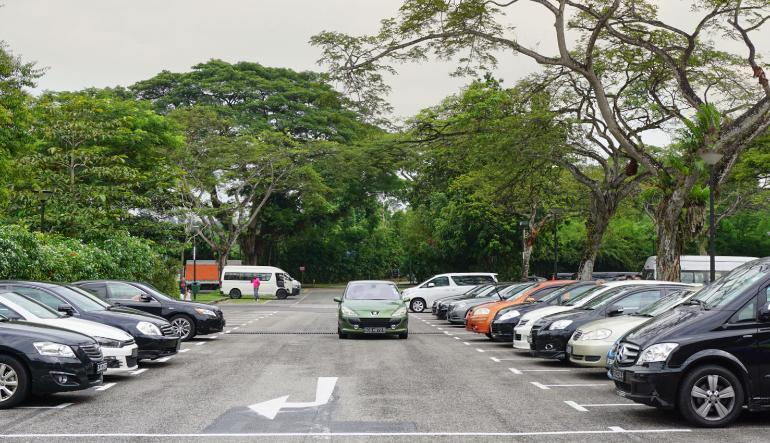 HDB Season Parking in Singapore: Guide to Applying, Renewal and Transfer (2021)