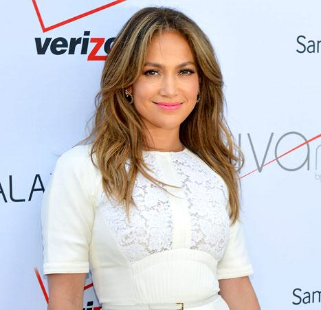 "Jennifer Lopez: ""I Have Never Had Any Plastic Surgery of Any Kind"""