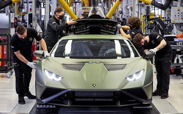 """Lamborghini announced it was set for """"strong growth"""" this year - Foto Guizzardi"""