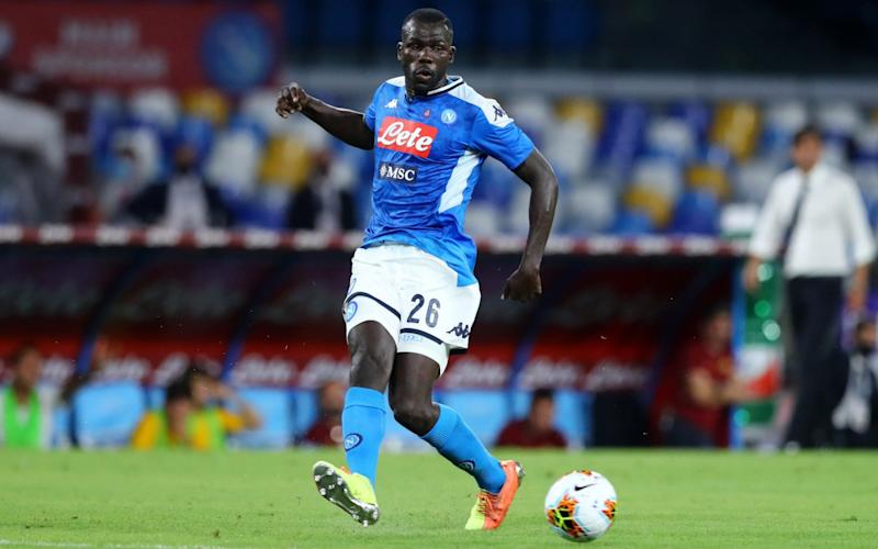 Kalidou Koulibaly of Napoli controls the ball during the Serie A match between SSC Napoli and AS Roma at Stadio San Paolo on July 5, 2020 in Naples, Italy. - GETTY IMAGES