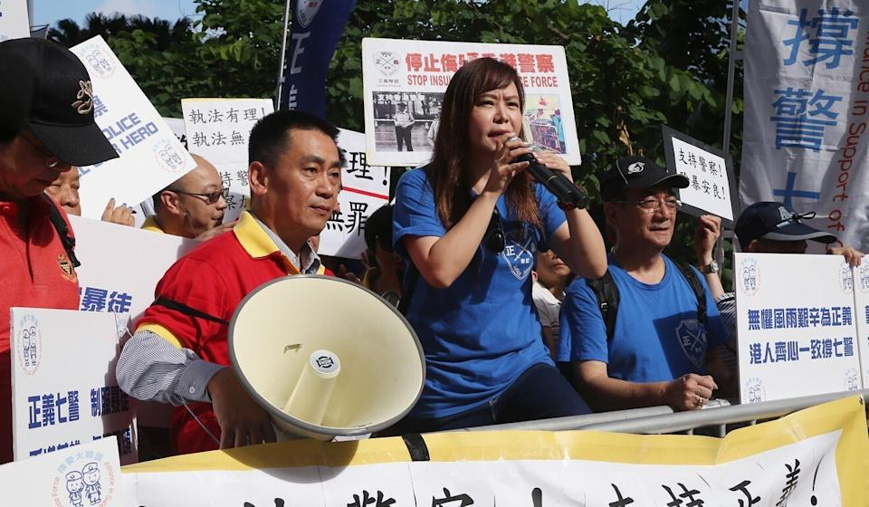 Leticia Lee, seen here at a 2016 rally in support of Hong Kong police, died on Wednesday at the age of 56. Photo: Sam Tsang