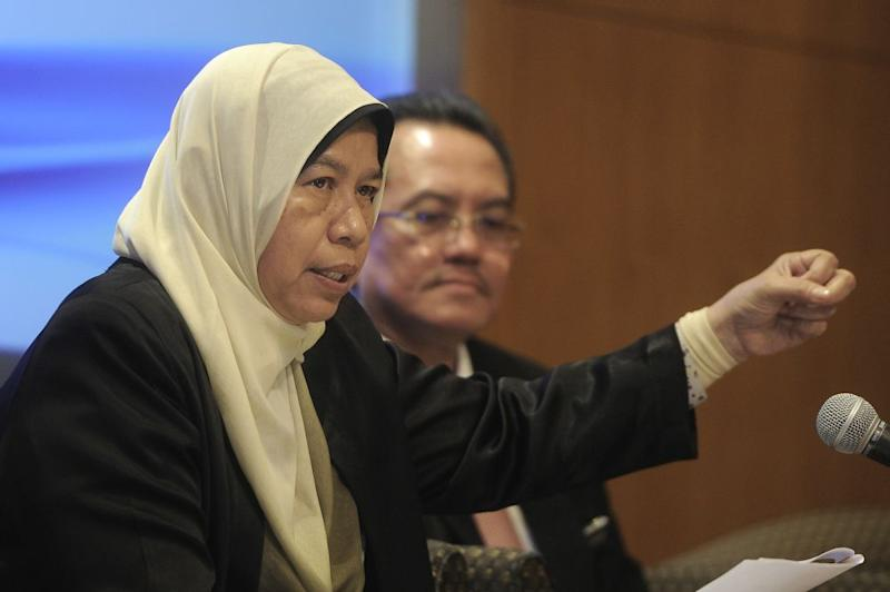 Zuraida said that the government was concerned about Johor's laws and policies that permit as much as 70 per cent of the Forest City project to go to foreign buyers. ― Picture by Shafwan Zaidon