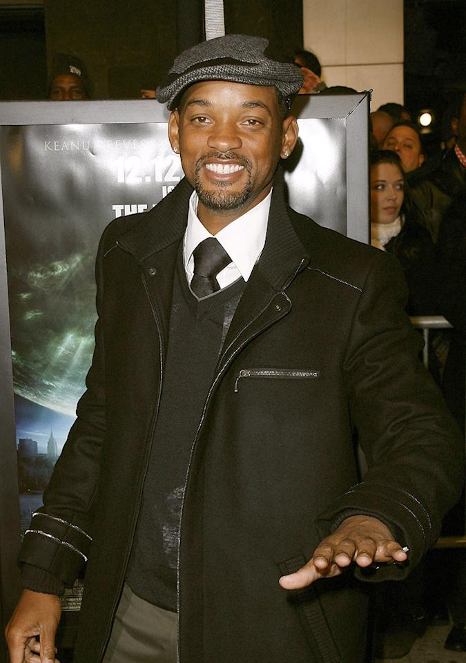 """<a href=""""http://movies.yahoo.com/movie/contributor/1800019959"""">Will Smith</a> at the New York premiere of <a href=""""http://movies.yahoo.com/movie/1809966785/info"""">The Day the Earth Stood Still</a> - 12/09/2008"""