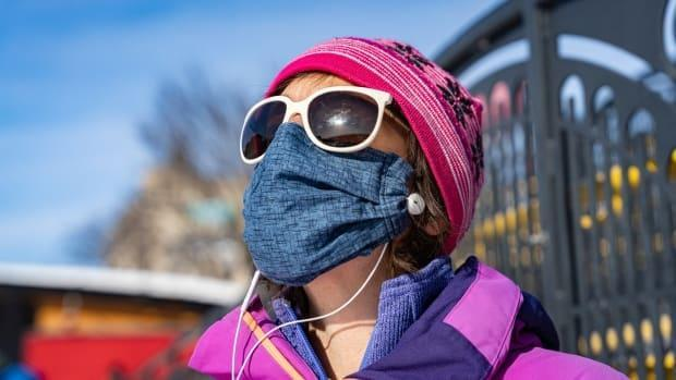 A simple face covering, such as a mask, scarf or neck warmer, can help humidify and warm air before it hits the lungs.