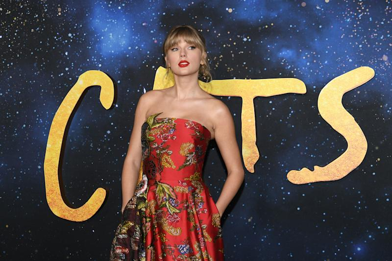 "NEW YORK, NEW YORK - DECEMBER 16: Taylor Swift attends the world premiere of ""Cats"" at Alice Tully Hall, Lincoln Center on December 16, 2019 in New York City. (Photo by Dia Dipasupil/Getty Images)"