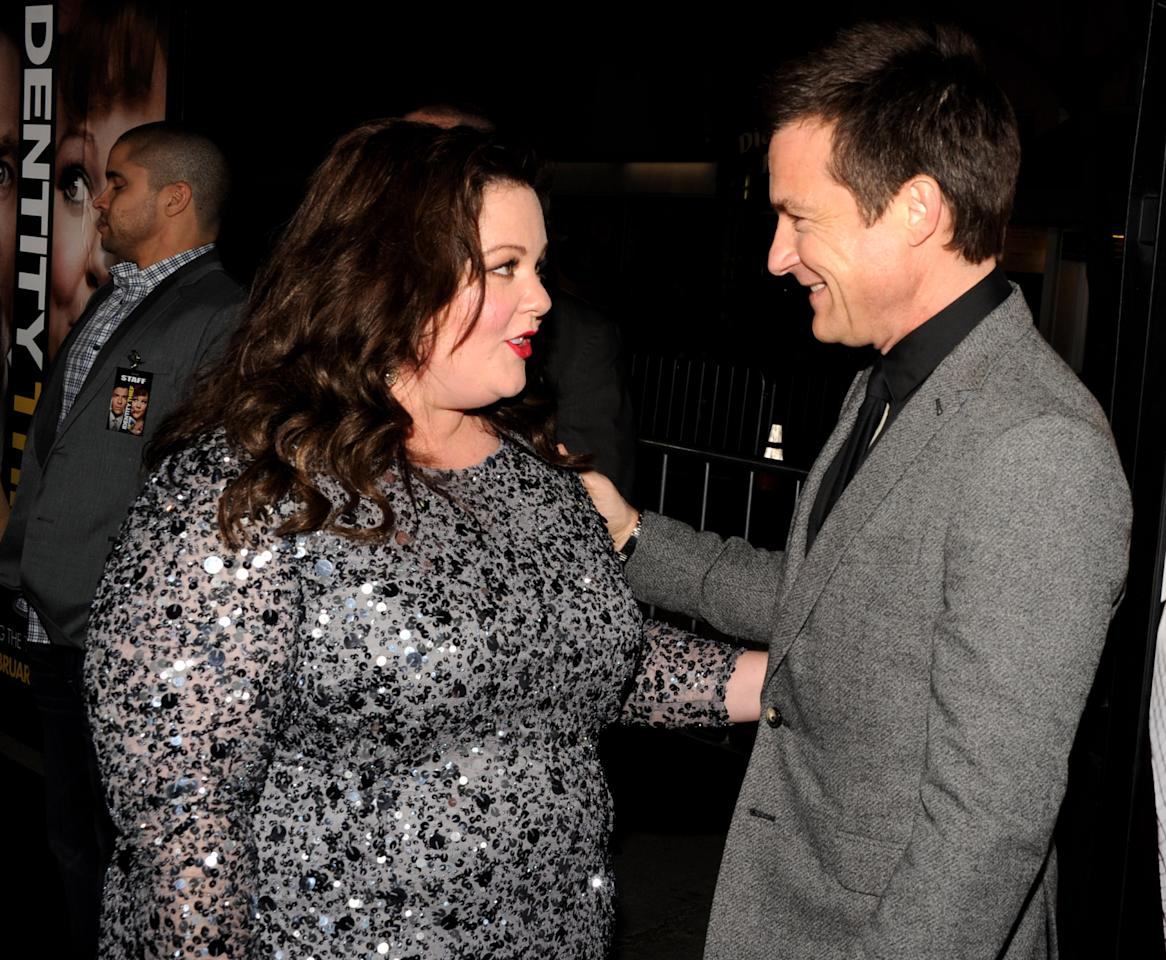 "LOS ANGELES, CA - FEBRUARY 04:  Actors Melissa McCarthy (L) and Jason Bateman arrive at the premiere of Universal Pictures' ""Identity Theft"" at the Village Theatre on February 4, 2013 in Los Angeles, California.  (Photo by Kevin Winter/Getty Images)"