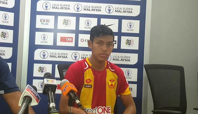 After recovering from an injury for about a month, Selangor youngster Syahmi Safari has not been playing as much as he used to.