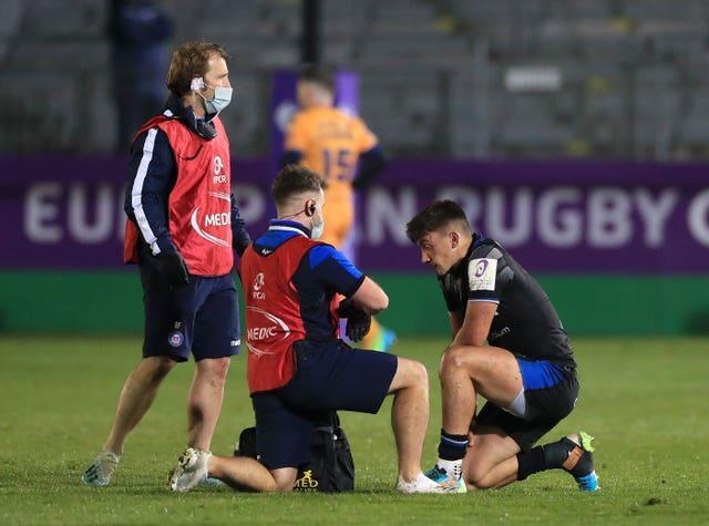 Bath's Cameron Redpath (right) has a concussion assessment