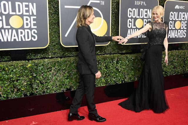 Keith Urban and Nicole Kidman had the look of love at the Golden Globes. (Photo: Frazer Harrison/Getty Images)