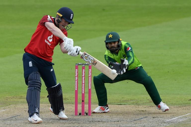 'Better than ever' Morgan stars as England beat Pakistan in 2nd T20