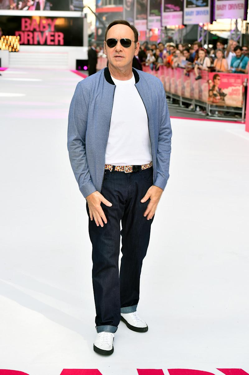 <div>Spacey, ever the cool guy, shunned a suit and instead rocked up to the premiere in a tee, blazer and shades. <br /><em>[Photo: PA]</em> </div>