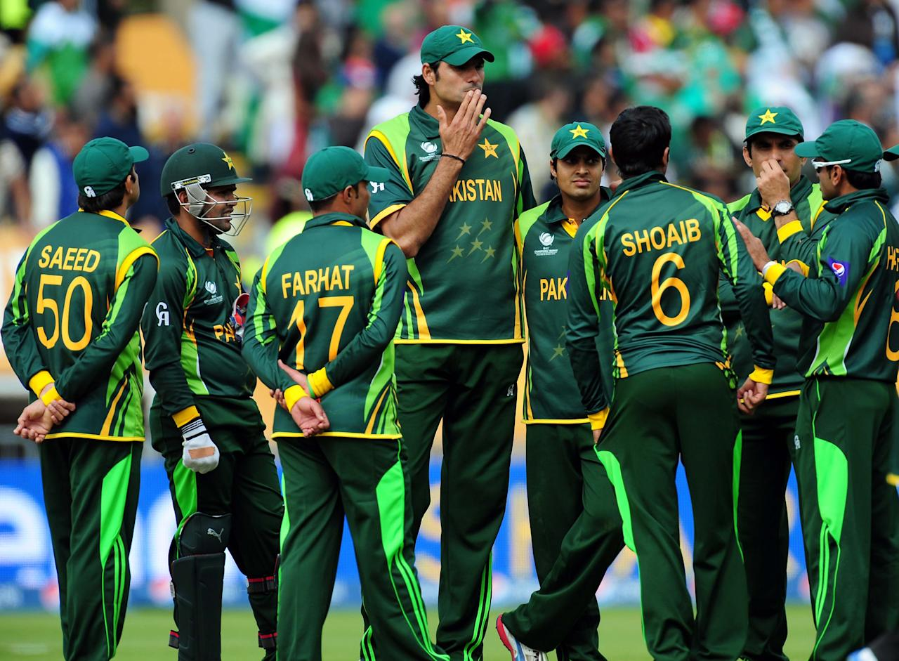 Pakistan's Mohammad Irfan (centre) towers over his team mates during the ICC Champions Trophy match at Edgbaston, Birmingham.