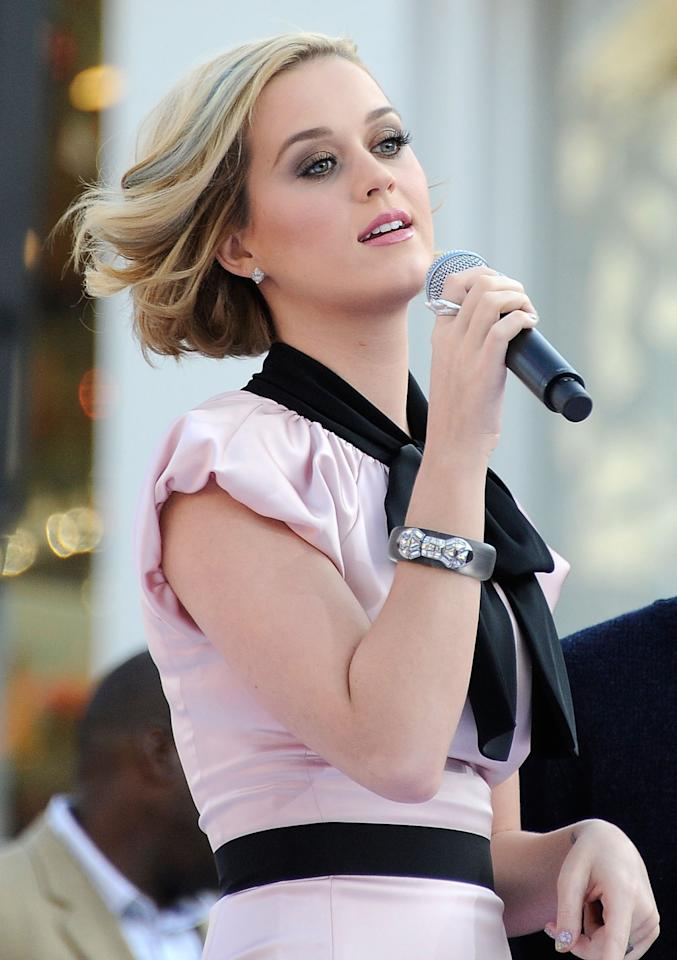 """<p>You'd be forgiven for thinking that Taylor Swift lost the Best New Artist award to fellow 2008 nominee Katy Perry. But no, Perry and her music video for """"I Kissed a Girl"""" were also robbed of that Moonman. Seven years later and Katy has sold more than 81 million singles worldwide — and now has some bad blood with Taylor.<br />(Photo: Getty Images) </p>"""