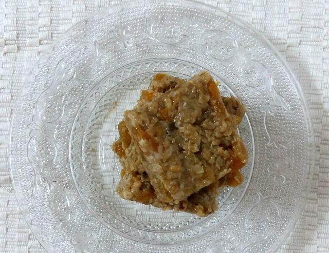 Healthy Snack Recipe: Oats And Apricot Granola Squares