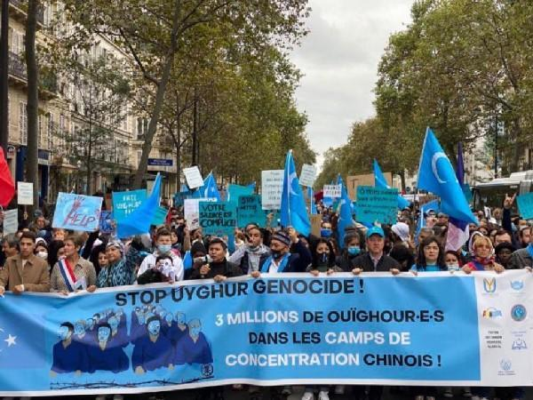 More than 2000 people gathered in Paris to raise their voice against the ongoing genocide of Uyghurs in Xinjiang by the Chinese Communist Party.