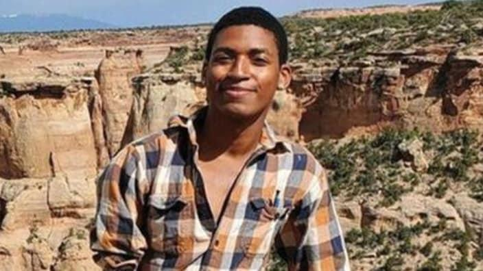 Daniel Robinson, 24, was last seen driving away from his job site in the Arizona desert on June 23. His father has hired a private investigator to help locate him. (Photo: PleaseHelpFindDaniel.com)